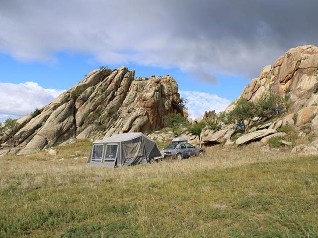 5c100c: S Camp-let okoli sveta