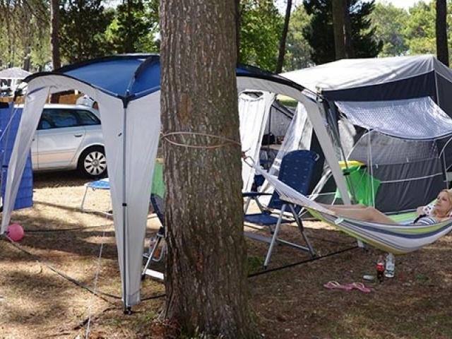 Idealen dopust s šotorsko prikolico Camp-let