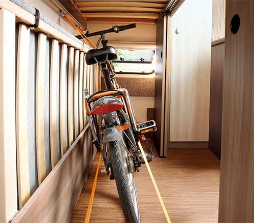 Prostorna garaža