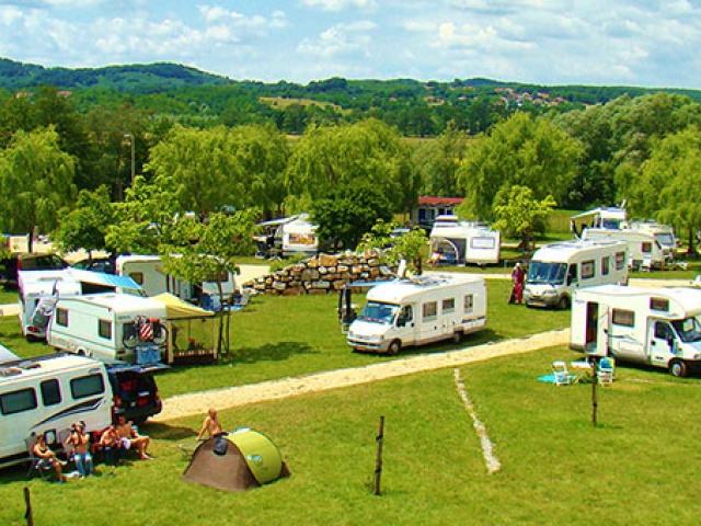 Kamp Lijak – zeleni paradiž v sončni Vipavski dolini