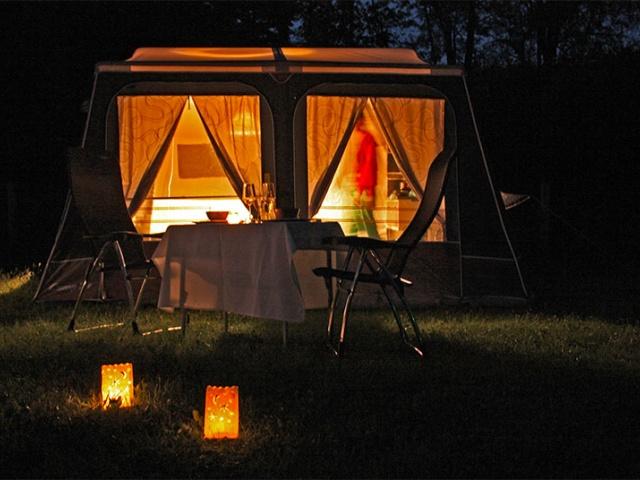 Privoščite si Glamping – Camp-let glamping