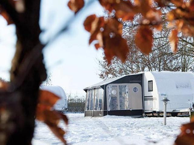Camp Danica: zimsko kampiranje