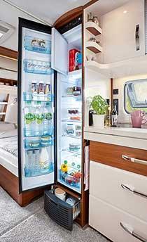 150-litrski kompaktni hladilnik Super Slim Tower